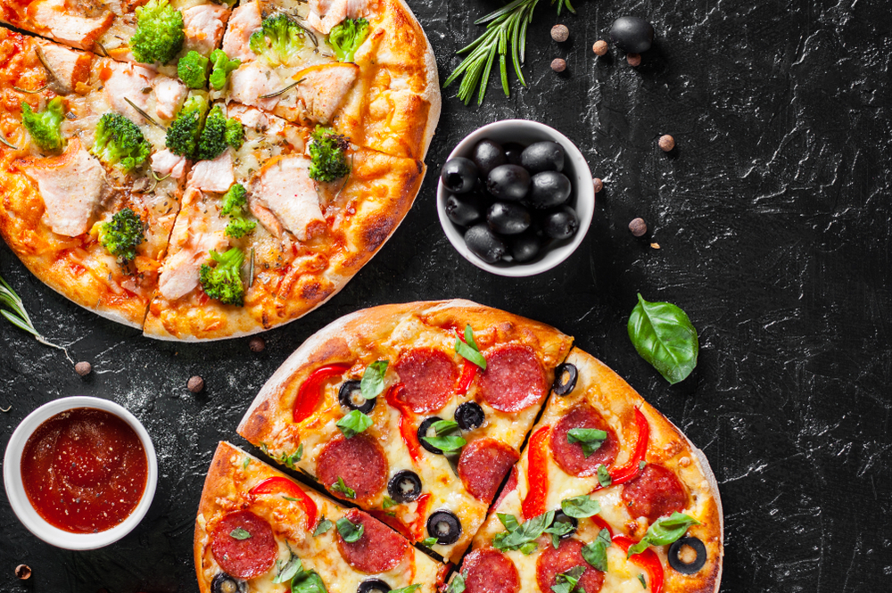 2枚のピザで賄える人数に抑える